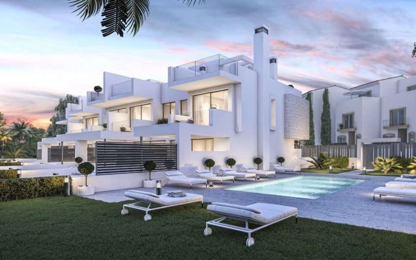 LOCATED CLOSE TO ONE OF THE BEST BEACHES IN ESTEPONA